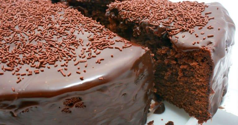 bolo de chocolate simples receita