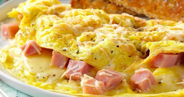 omelete de preseunto e queijo